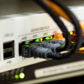 Câblage de serveurs et d'ordinateurs