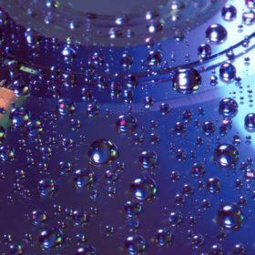 De l'eau sur du matériel informatique
